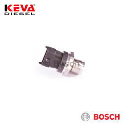 Bosch - 0281006165 Bosch Pressure Sensor (RDS4.4 M18X 1,5; 2000bar) for Case, Iveco, New Holland, Sfh Powertrain